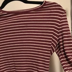 Fitted striped maroon long sleeve tee